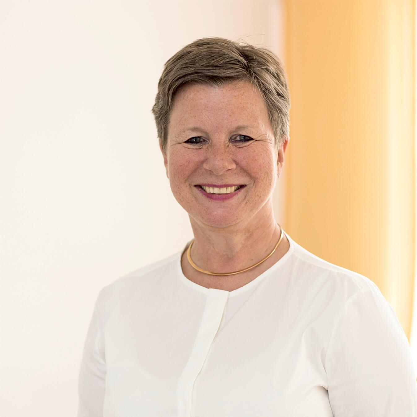 Frau Dr. Sabine Goodall