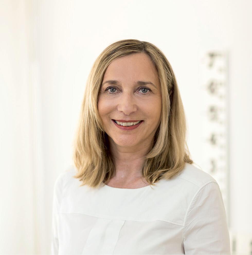 Frau Kerstin Jüchtern