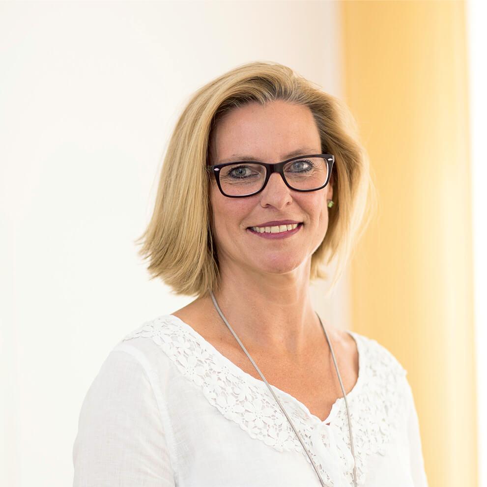 Frau Antje Hörner